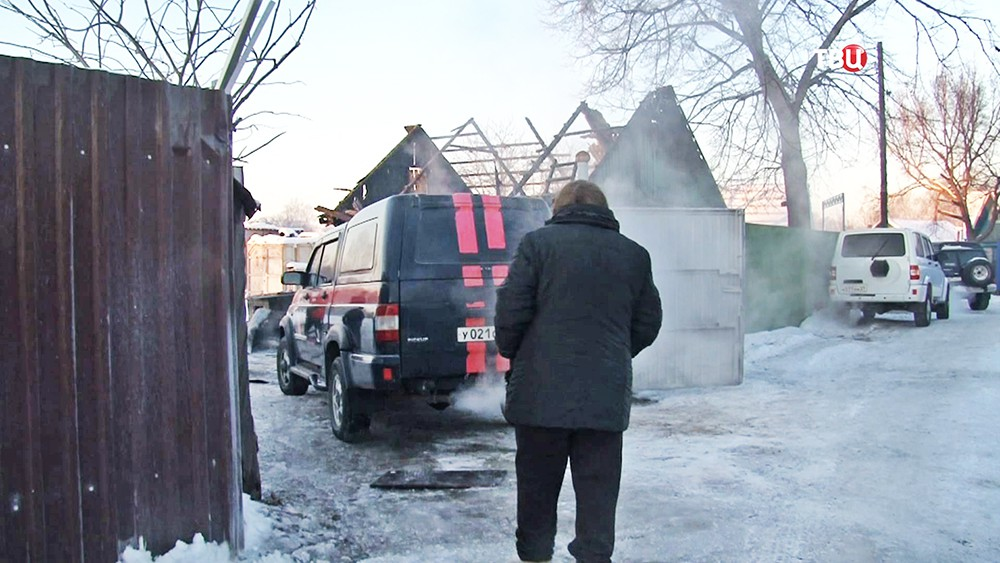Экстренные службы на месте убийства семьи в Хабаровске