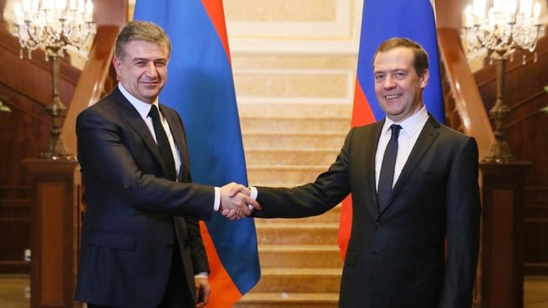 Дмитрий Медведев и Карен Карапетян