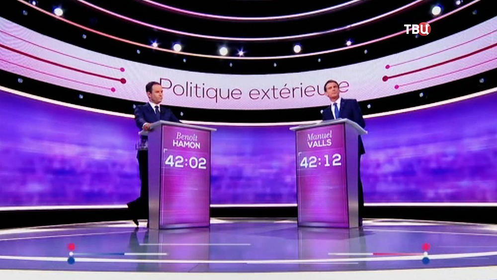 Мануэль Вальс и Бенуа Амон на дебатах во Франции