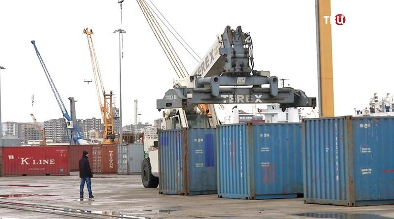 РФдоставила всирийский Тартус 10 тысяч  тонн гуманитарной помощи