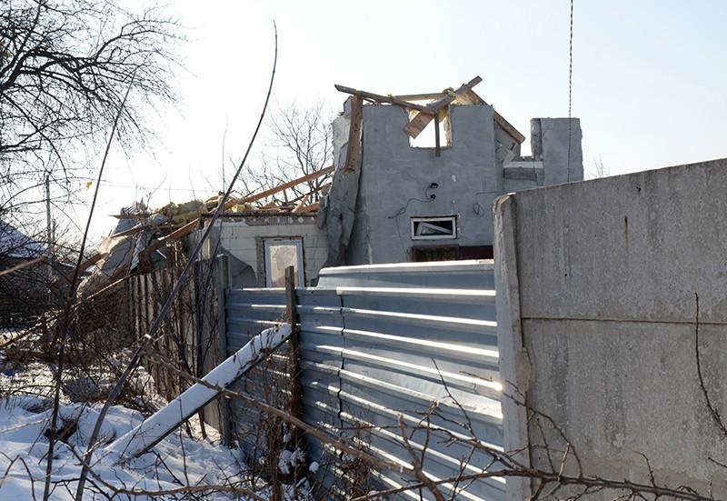 Дом, пострадавший в результате обстрела украинскими силовиками, в городе Макеевка Донецкой области