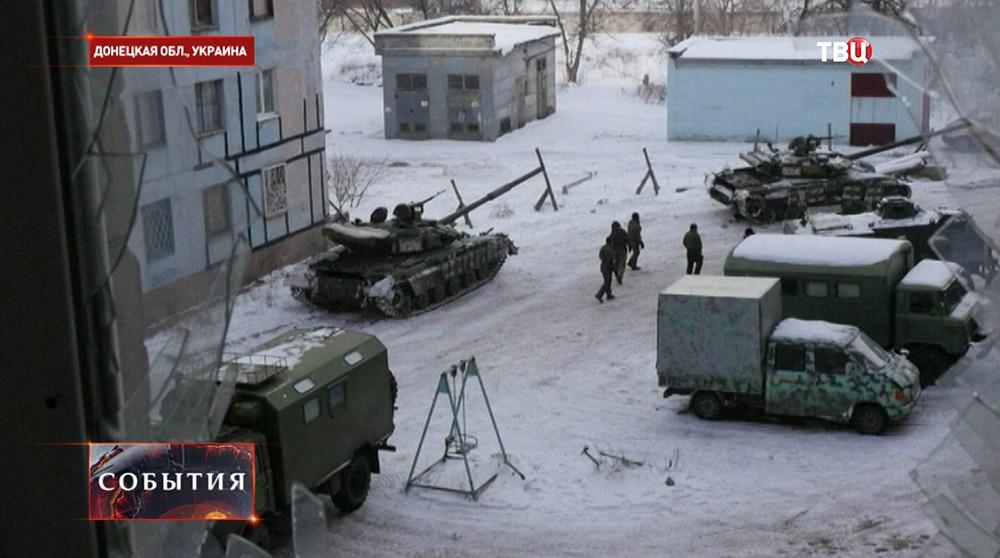 Репортер BBC заснял «слепых» инспекторов ОБСЕ рядом сукраинскими танками вАвдеевке
