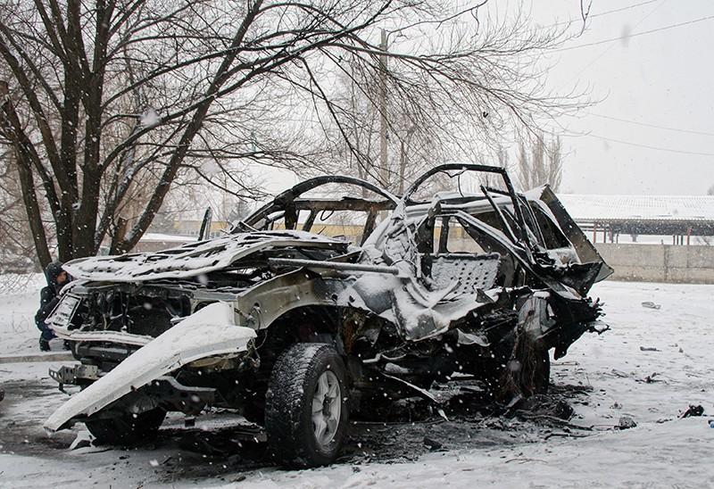 Автомобиль, подорванный в Луганске