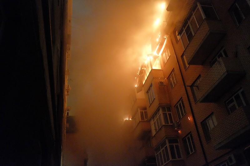 Пожар в многоэтажном жилом доме в Краснодаре