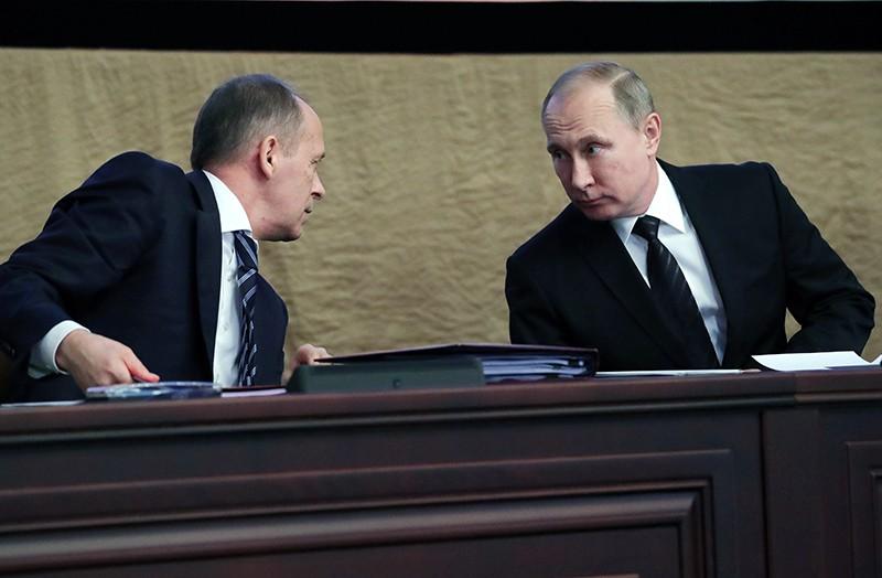 Президент России Владимир Путин и директор ФСБ Александр Бортников на заседании коллегии ФСБ