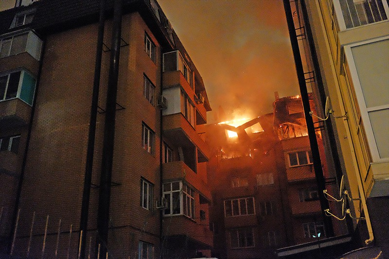 В Днепре произошел масштабный пожар: эвакуировано 23 человека