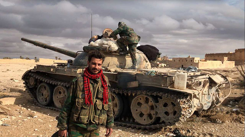 Солдаты и бронетехника сирийской армии