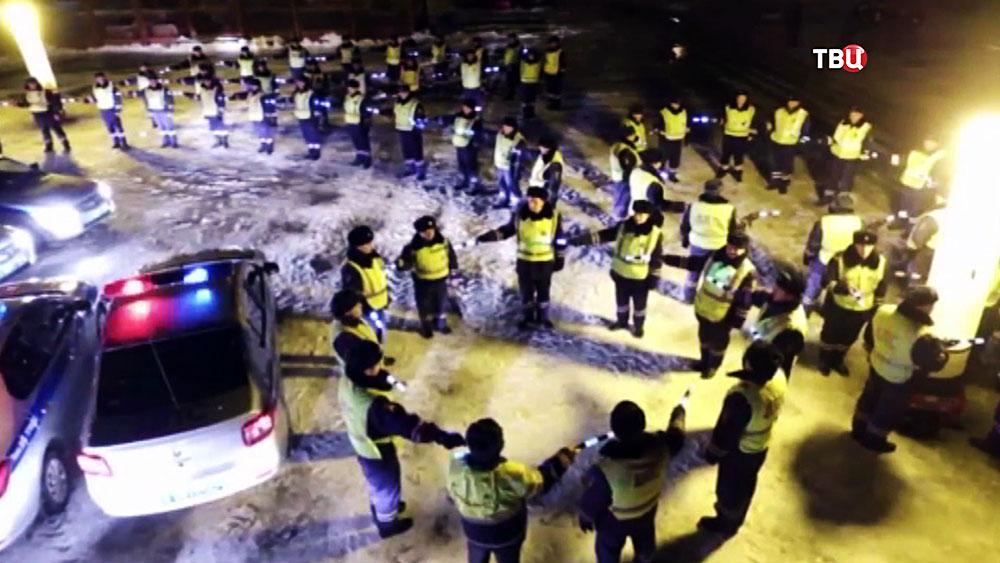 Сотрудники полиции устроили флешмоб в честь 8 Марта