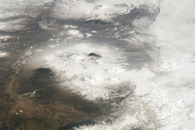 Вулканы Камчатки (вид из космоса)