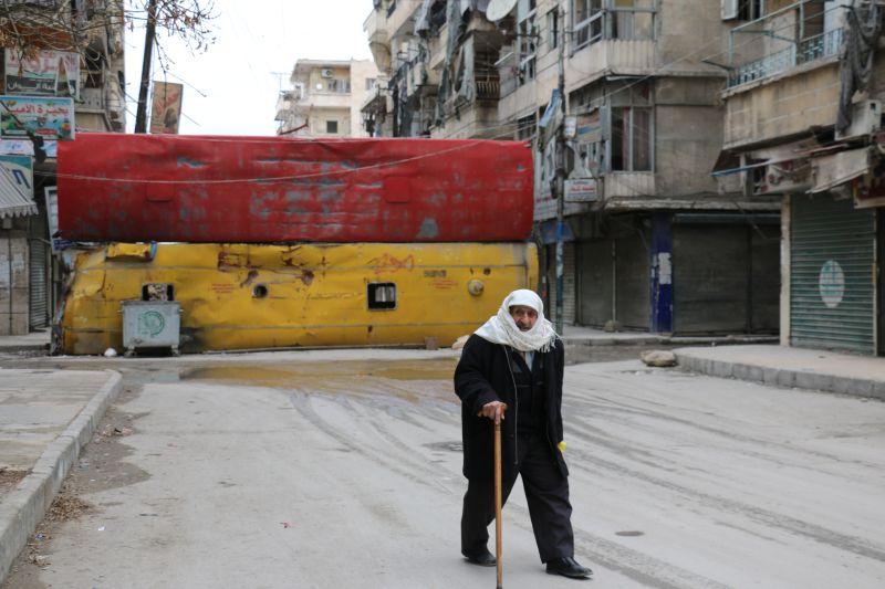 Автобусы, использованный для баррикад, в Алеппо