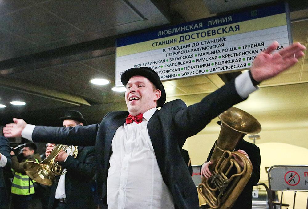 Оркестр в метро