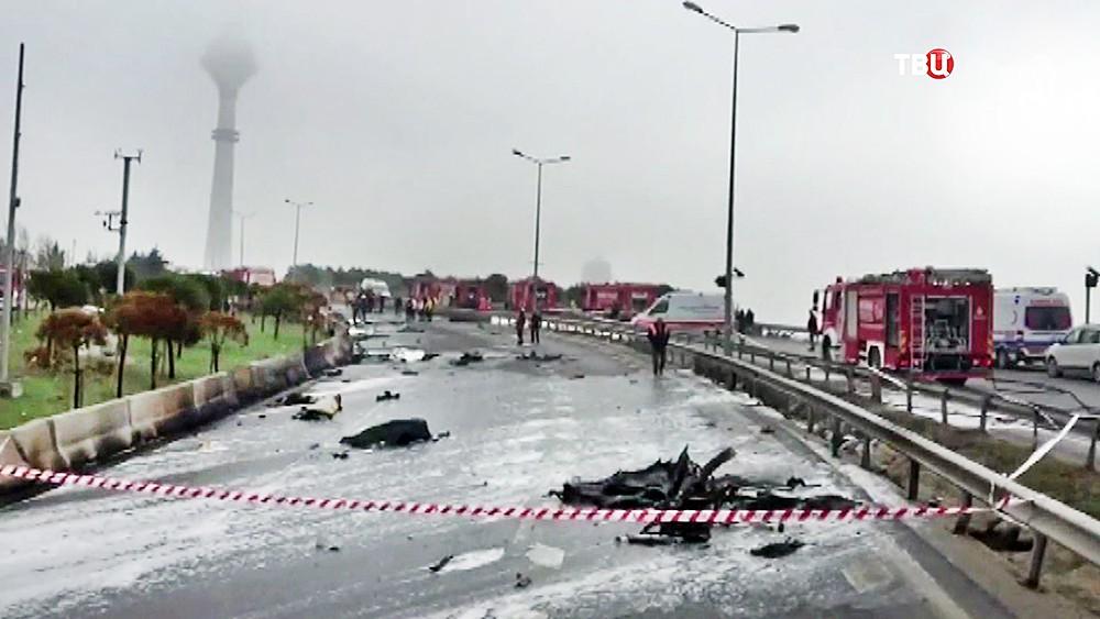 Место крушения вертолета с россиянами в Стамбуле
