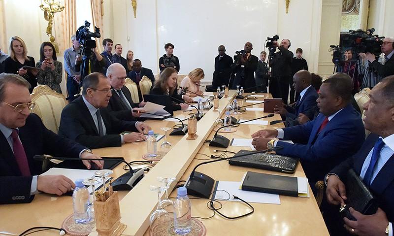 Глава МИД России Сергей Лавров и министр иностранных дел Республики Конго Жан-Клод Гакоссо