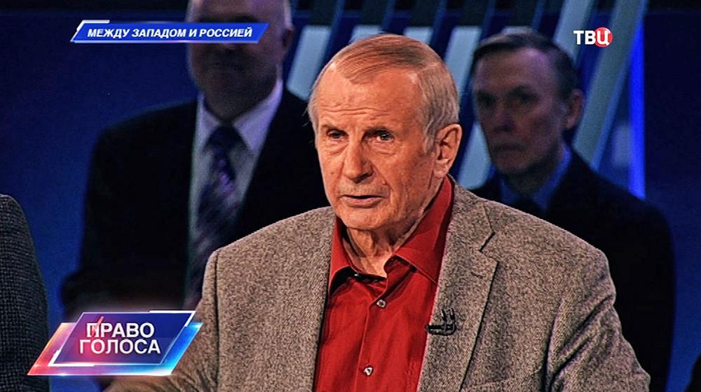 """Писатель Михаил Веллер, программа """"Право голоса"""""""
