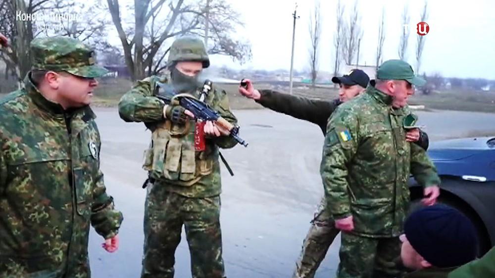 Военнослужащие армии Украины в зоне блокады Донбасса