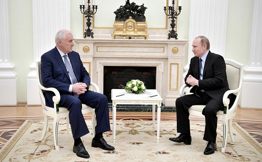 Путин 21марта обсудит сглавой Южной Осетии вопросы экономики ибезопасности