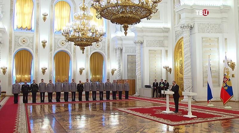 Владимир Путин на встречи с российскими офицерами