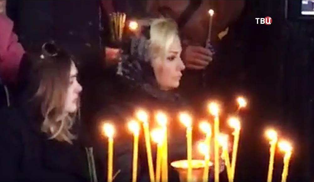 Мария Максакова на церемонии прощания с Денисом Вороненковым