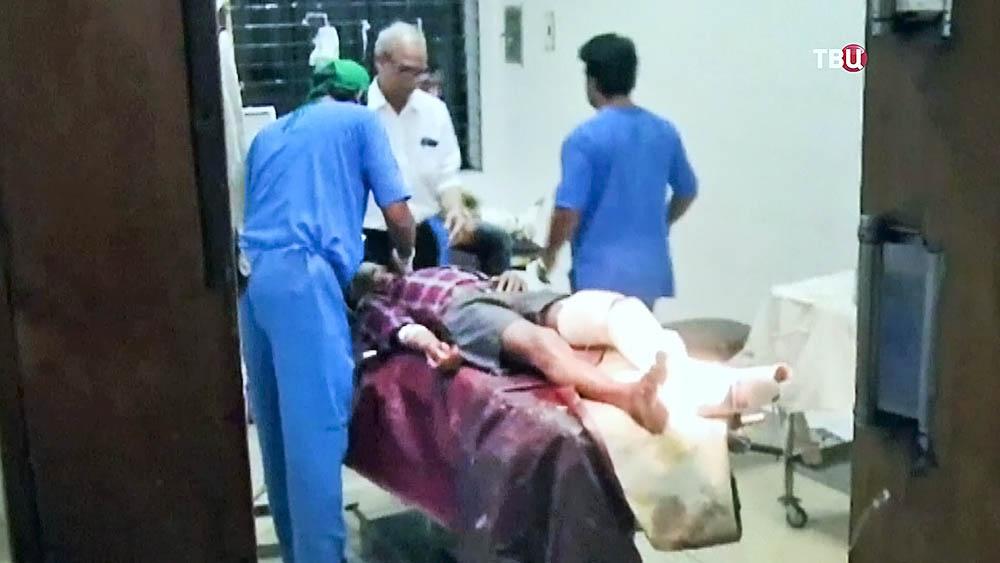 Пострадавшие в больнице в Бангладеш