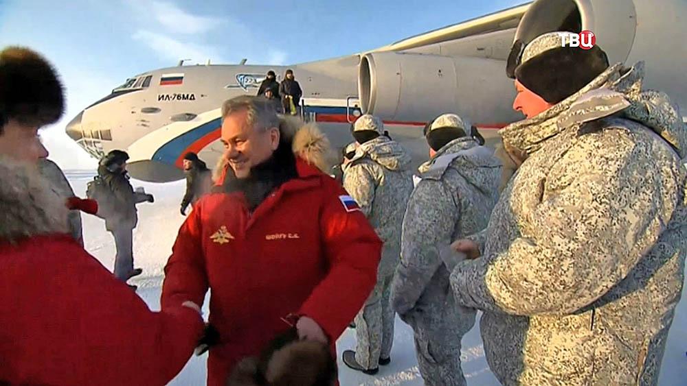 Сергей Шойгу посетил архипелаг Земля Франца-Иосифа