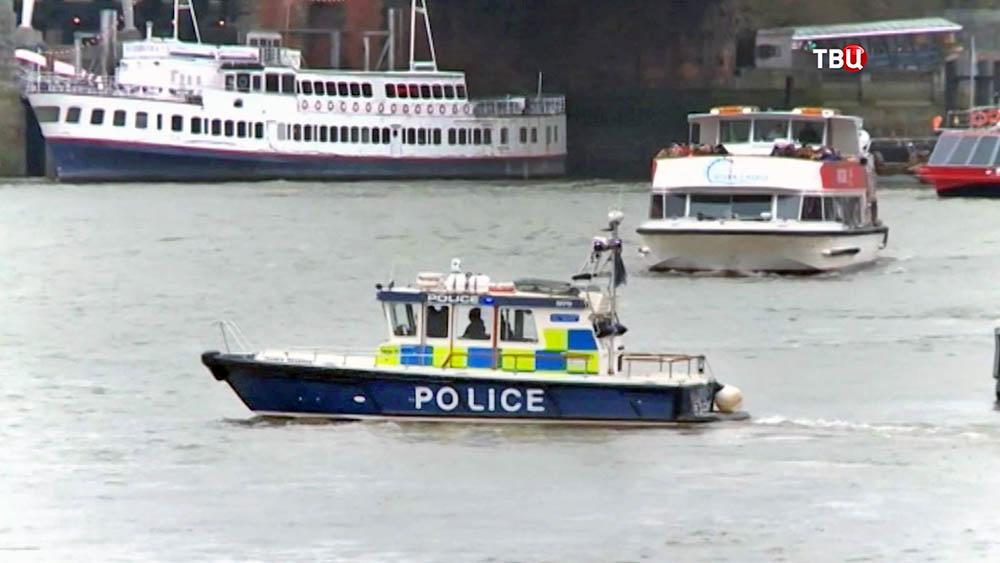 Катер полиции Великобритании