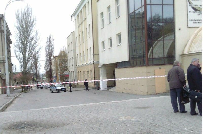 В Ростове-на Дону рядом со школой прогремел взрыв