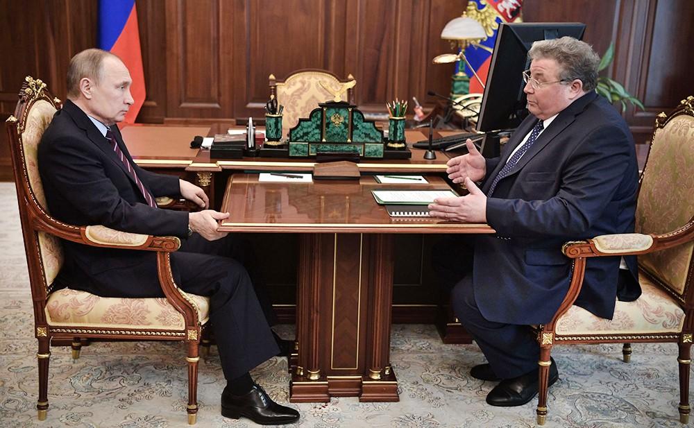 Президент России Владимир Путин и глава Мордовии Владимир Волков