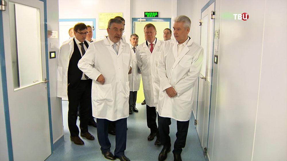 Мэр Москвы Сергей Собянин во время запуска фармацевтического производства