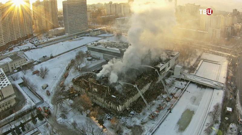 Здание библиотеки ИНИОН после пожара