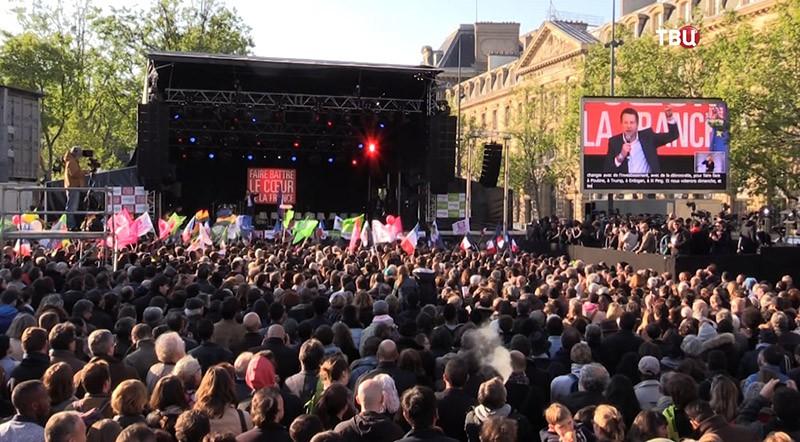 """11 Смотрите в 22:30 специальный репортаж  """"Франция. Изнанка выборов"""""""
