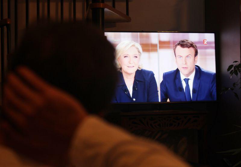 Дебаты Марин Ле Пен и Эмманюэля Макрона