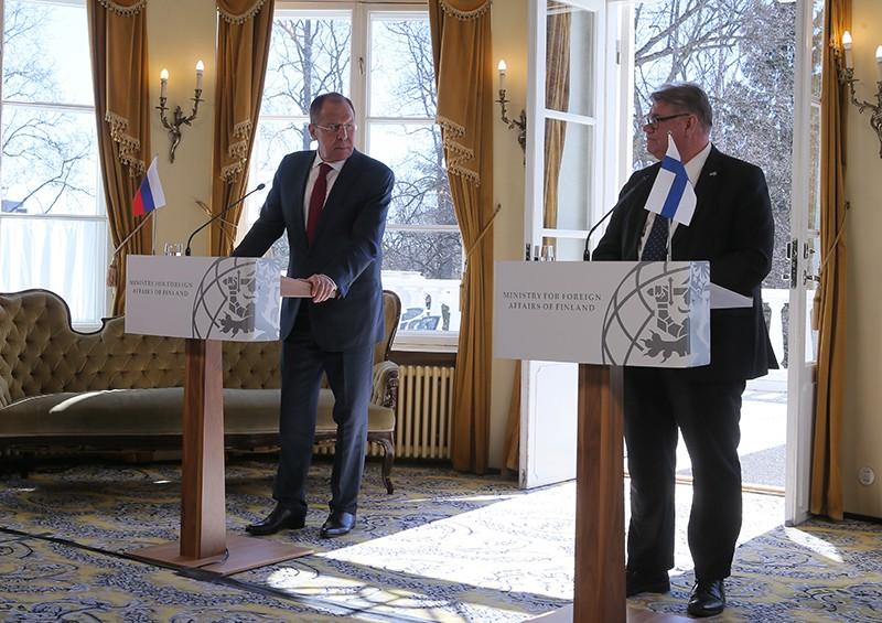 Глава МИД России Сергей Лавров и глава МИД Финляндии Тимо Сойни на пресс-конференции