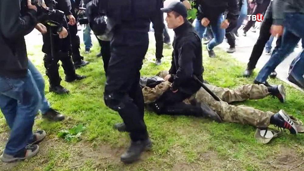 Полиция Украины задерживает радикалов