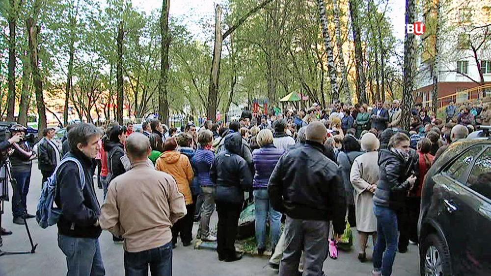 ВМосгордуме одобрили законодательный проект огарантиях при сносе пятиэтажек