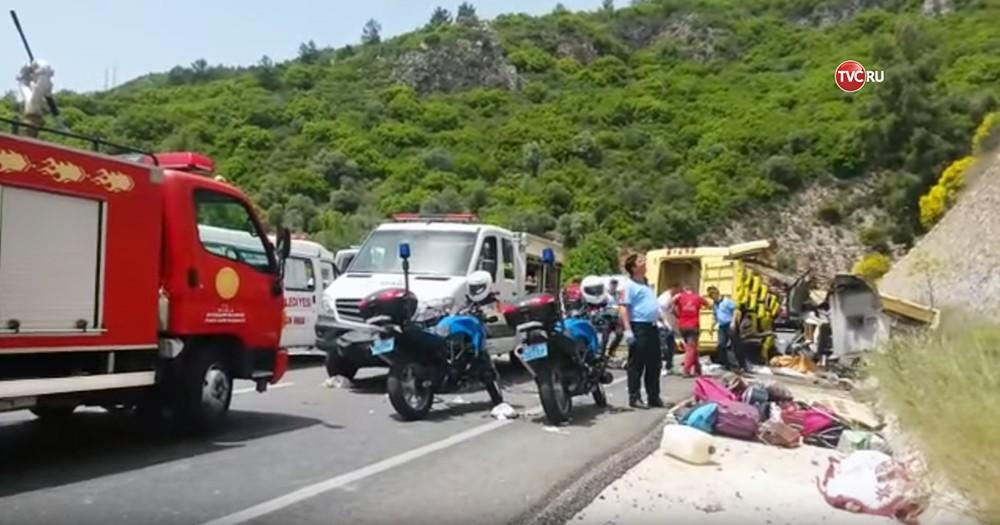 Число жертв в трагедии савтобусом вТурции возросло до23