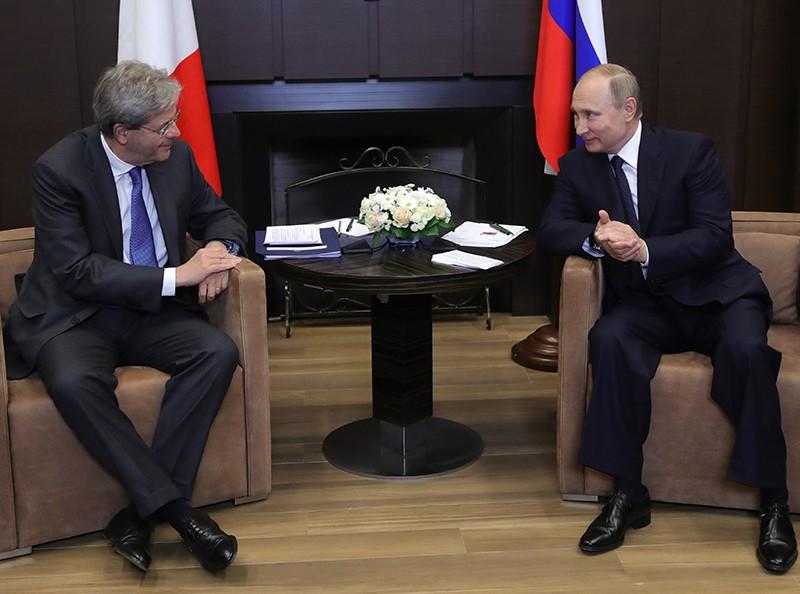 Президент России Владимир Путин и председатель Совета министров Италии Паоло Джентилони