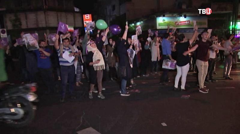 Руководитель  МВД Ирана повторно продлил время голосования напрезидентских выборах
