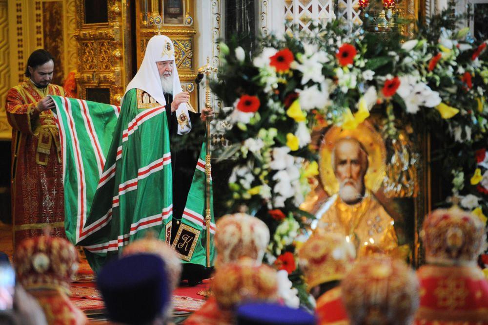 Патриаршее служение в день памяти святителя Николая Чудотворца в храме Христа Спасителя