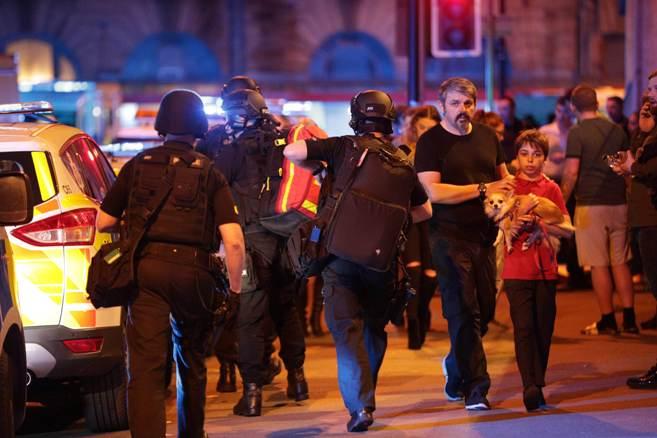 Полиция на месте взрыва в Манчестере