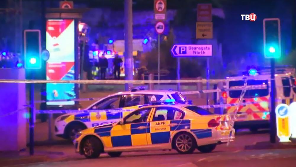 Полиция Великобритании на месте происшествия в Манчестере