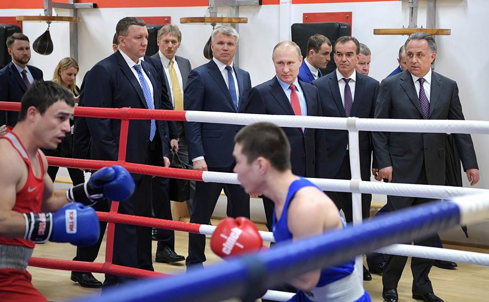 Владимир Путин посетил комплекс тренировочных залов