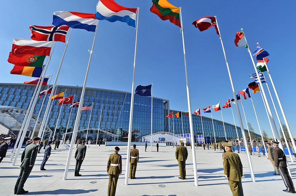 НАТО: До исчезновения угрозы ИГ еще очень далеко