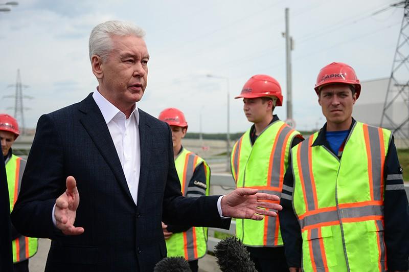 Мэр Москвы Сергей Собянин на открытии нового участка Калужского шоссе в Москве
