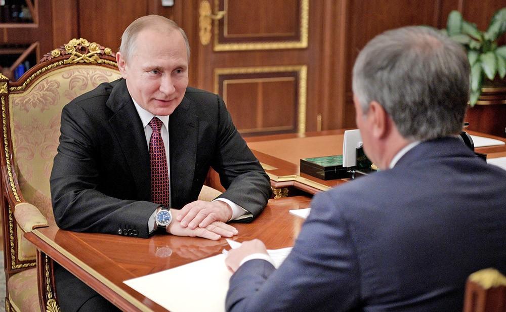 Президент России Владимир Путин и председатель Госдумы Вячеслав Володин
