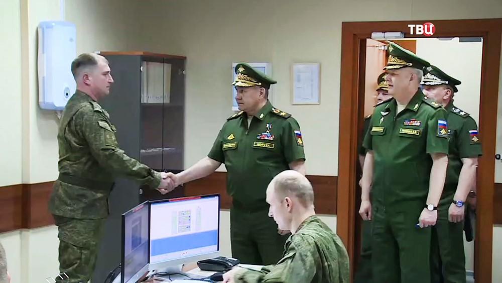 Сергей Шойгу посетил с инспекцией новейшую РЛС