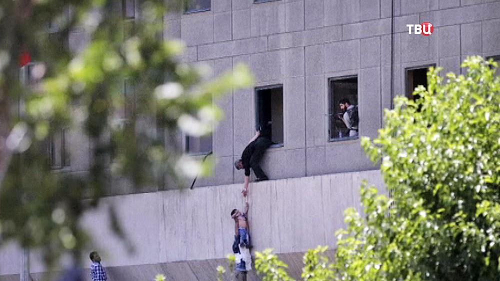 Спецоперация по спасению заложников в парламенте Ирана
