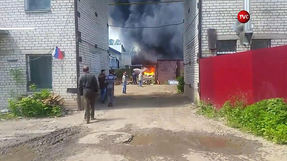 Пожар на складе в Ярославле