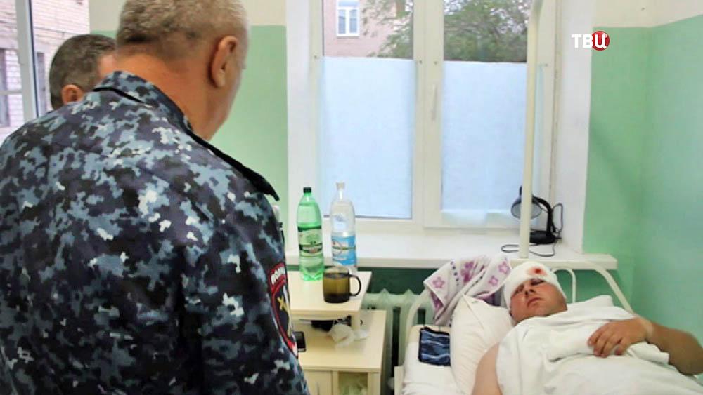 Раненный в перестрелке полицейский Волгограда