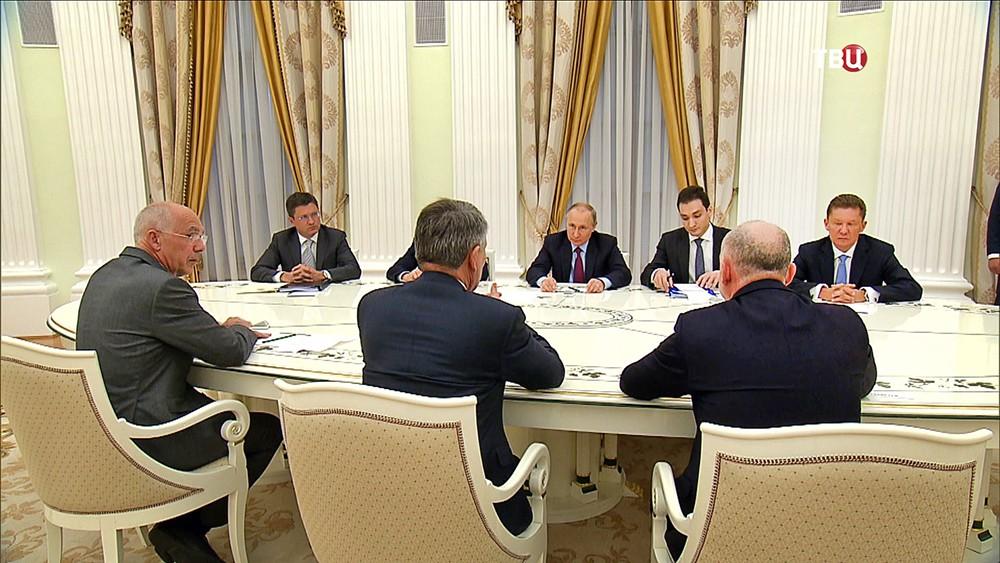 """19 Путин: """"Северный поток-2"""" имеет все шансы на успех"""