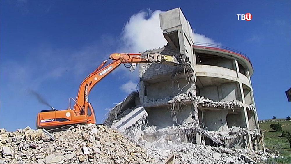 Снос незаконных строений на горе Ай-Петри в Крыму